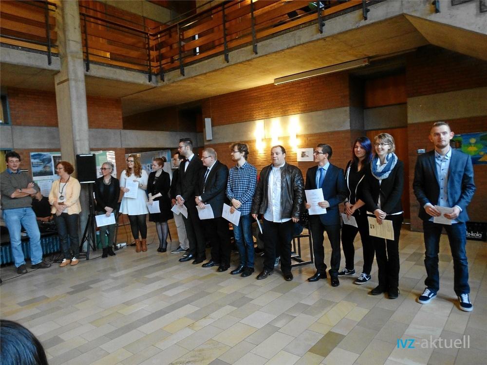 Am Mettinger Comenius-Kolleg erhielten die Schüler kurz vor Weihnachten ihr Abiturzeugnis. Durch das gemeinsame Lernen sind am Kolleg auch viele Freundschaften entstanden.